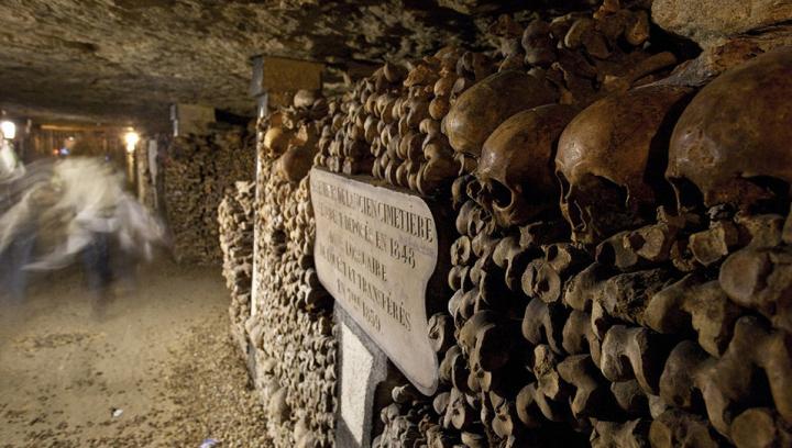 Подростки три дня провели на подземном кладбище, прежде чем их нашли спасатели