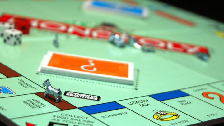 """В США задержанный попытался избежать наказания с помощью карточки из """"Монополии"""""""