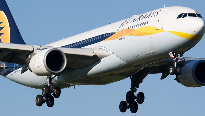 """Jet Airways подарила пожизненный """"проездной"""" ребёнку, родившемуся в самолёте"""