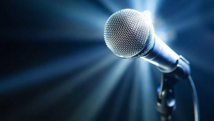 Видео: 9-летняя девочка с пневмонией поразила жюри шоу талантов своим голосом
