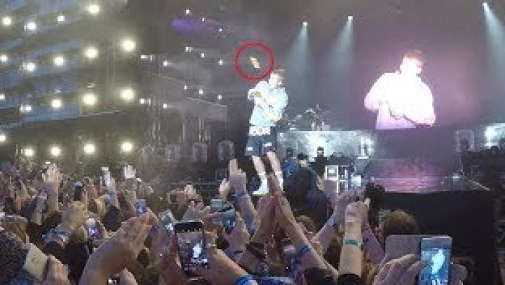 Видео: В Бибера кинули бутылкой, когда он сказал, что не знает песню Despacito