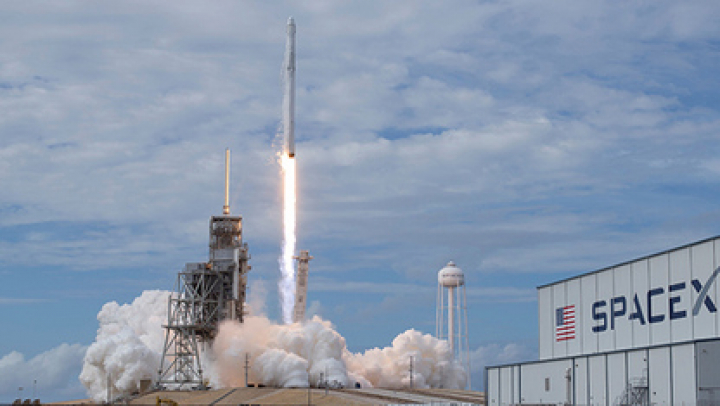 SpaceX запустит две ракеты Falcon 9 за 48 часов