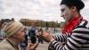 Матерящийся уличный артист сорвал интервью в прямом эфире ВВС