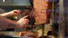 В Оренбурге 16 человек отравились шаурмой