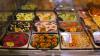 Продавщицу супермаркета обязывали менять этикетки в отделе кулинарии