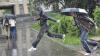 Наркологи рекомендовали москвичам ярче одеваться и развлекаться из-за дождливого лета