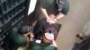 Тюремные надзиратели мучили 18-летнего парня электрошоком, пока не села зарядка