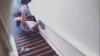 Хозяин квартиры сбросил с лестницы постояльца за просроченную аренду