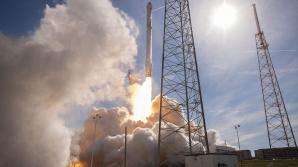 После двух неудачных попыток ракета-носитель Falcon 9 был запущен со спутником связи