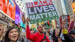 Полицейский из США решил засудить Black Lives Matter