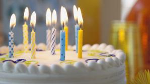 Школьника, над которым издевались сверстники, звезды поздравили с днём рождения