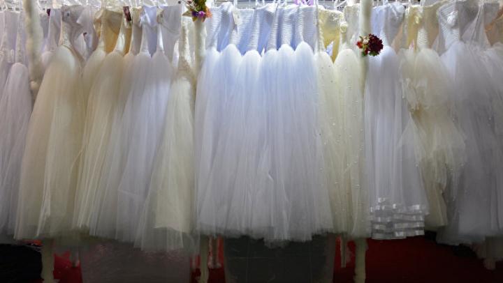 """""""155 кило семейного счастья"""": самая толстая модель в мире вышла замуж"""