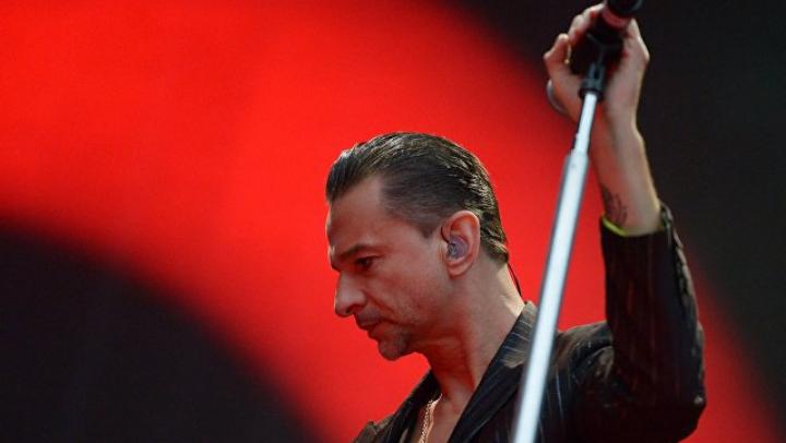 Лидер Depeche Mode попал в больницу в Минске с кишечным расстройством