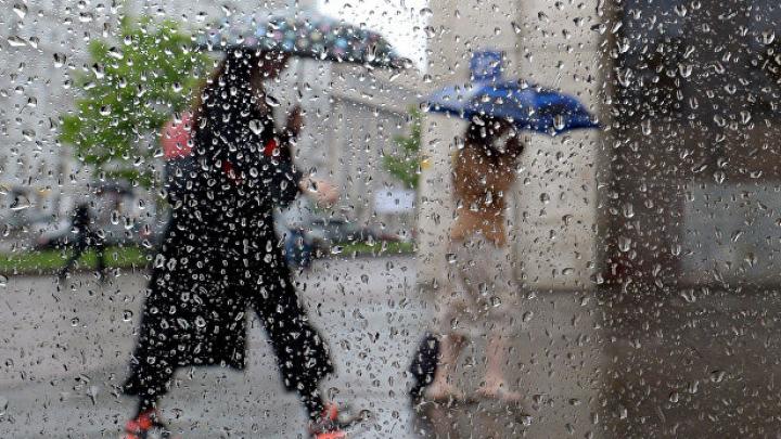 МЧС предупредило москвичей о надвигающейся грозе с градом