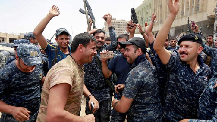 Иракский премьер прибыл в Мосул и объявил об освобождении города от ИГ