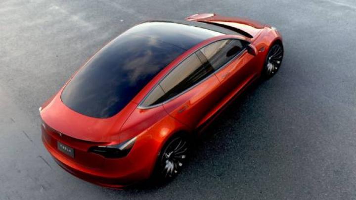 Илон Маск назвал дату выпуска первой Tesla Model 3