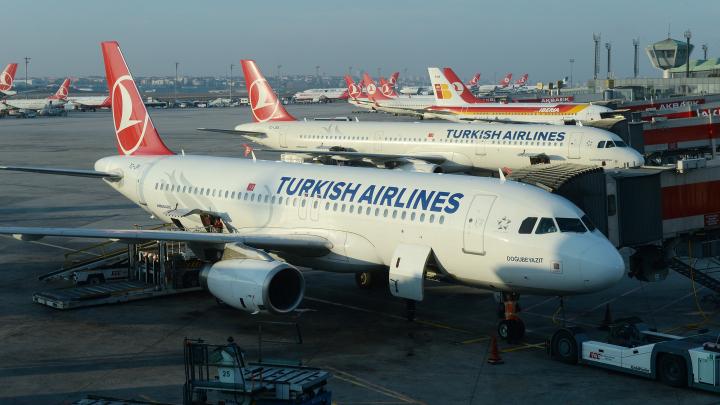 Самолёт Turkish Airlines экстренно приземлился в Каире