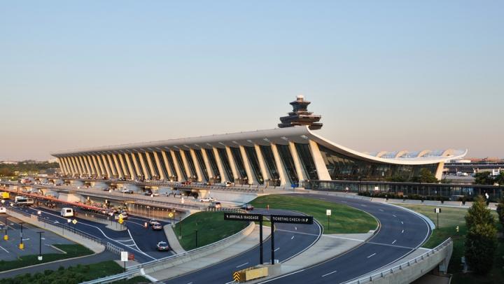 В аэропортах Вашингтона задержали рейсы из-за дыма в диспетчерском центре
