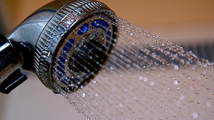 Новая насадка для смартфона подскажет, когда пора мыться