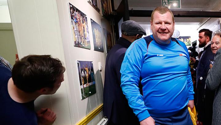 В Англии предъявили обвинения съевшему пирог во время матча вратарю