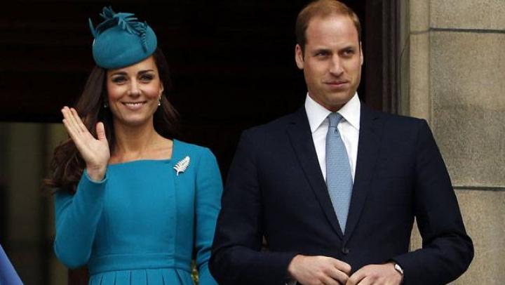 Кейт Миддлтон и принц Уильям показали первое официальное фото сына