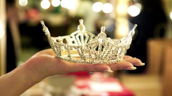 Школьница из Новосибирска завоевала корону на международном конкурсе красоты