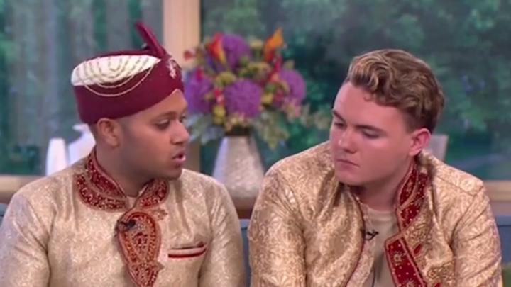 Поженившиеся в Британии геи-мусульмане пожаловались на угрозы