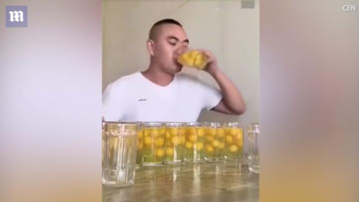 Вот это гоголь-моголь: Блогер из Китая выпил 100 сырых яиц за 53 секунды