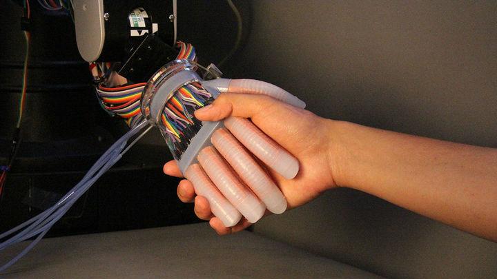 Дальневосточные ученые создали робота-слесаря