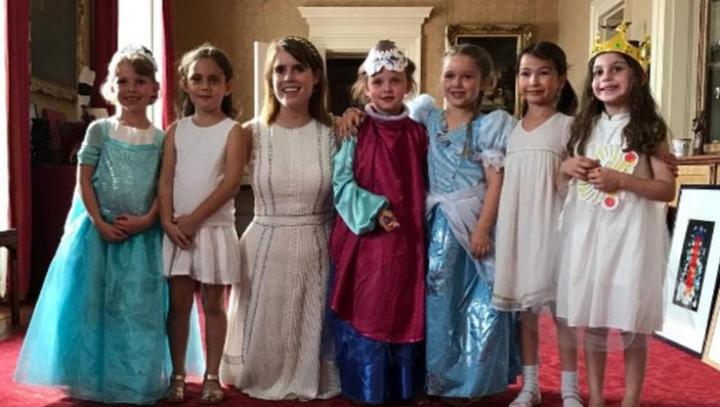 Дочь Бэкхема отметила день рождения в Букингемском дворце