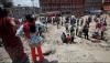 В Непале спасатели собирают тела жертв наводнений и снимают с крыш выживших