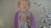 """2-летняя малышка """"обрадовала"""" родителей, прогулявшись по свежезалитому бетону"""