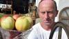 В Германии мужчина судится с мэрией за отказ признать его яблочной королевой
