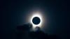 Частичное лунное затмение наблюдали накануне вечером во многих странах мира