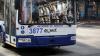 В центре столицы несколько троллейбусов застряли из-за оборвавшихся проводов: видео