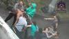 В Красноярске участники свадебного кортежа подрались из-за лужи