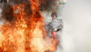 В столичном секторе Буюканы загорелся заброшенный дом