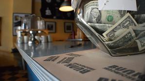 В США официантка получила $1200 чаевых при счёте $20