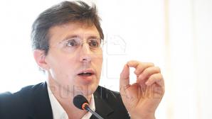Киртоакэ возмутился, что референдум об его отставке назначили на день рождения Михая Гимпу