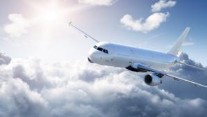 Самолёт экстренно сел в Шереметьево из-за пассажира, наносившего себе увечья