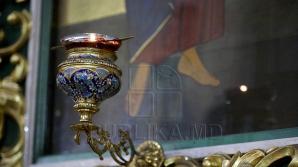 Неизвестные обокрали летнюю церковь Святотроицкого монастыря