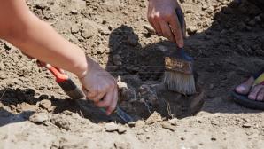 Археологи обнаружили старинное захоронение в селе Бутучень