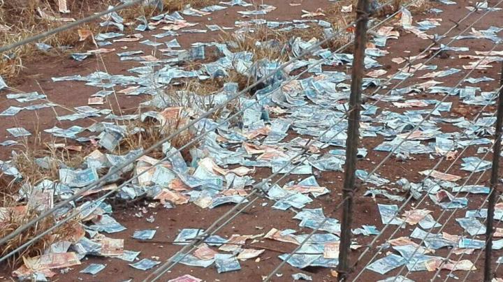 Грабители не рассчитали со взрывчаткой и устроили денежный дождь из $2 млн