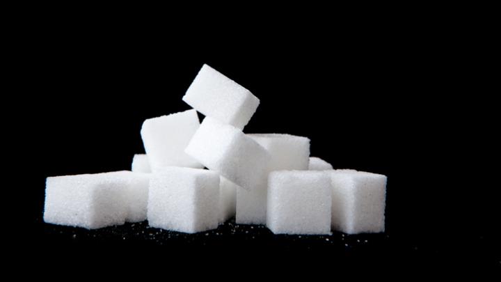 Ученые: сахар способствует развитию раковых опухолей