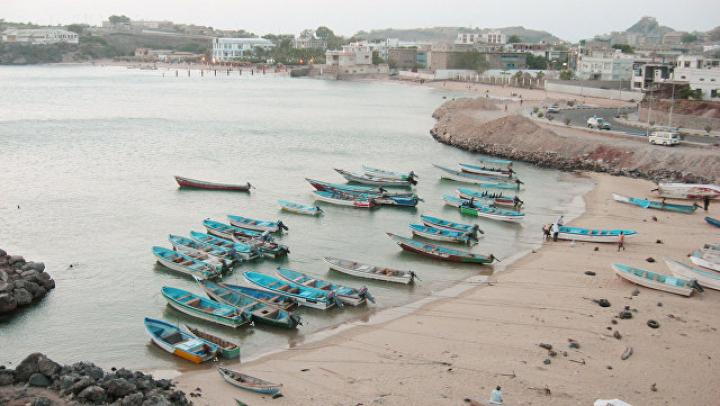 У берегов Йемена контрабандисты выбросили в открытое море 180 мигрантов