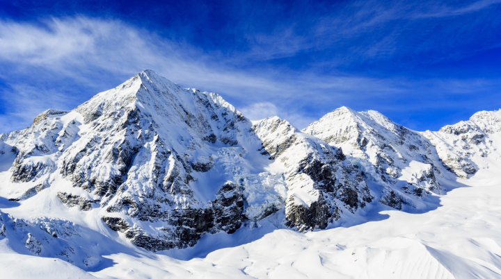Спасательный вертолет разбился в Альпах, пытаясь эвакуировать альпиниста