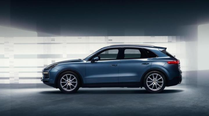В Сети раскрыли новый Porsche Cayenne: фото