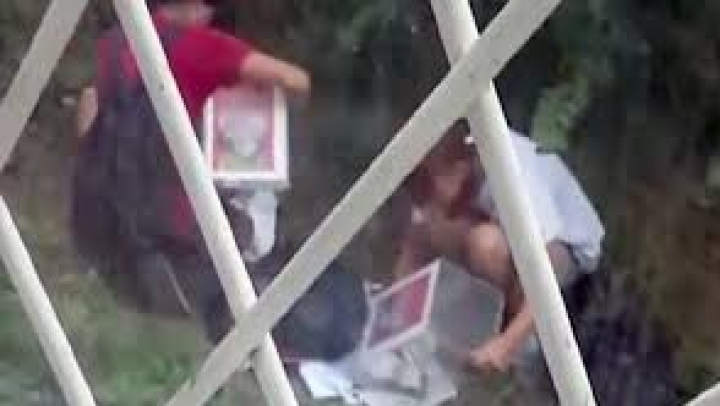 Видео: Подростки опустошили коробки с пожертвованиями на лечение детей