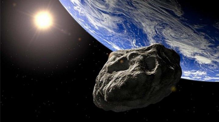 1 сентября с Землёй сблизится астероид размером с город