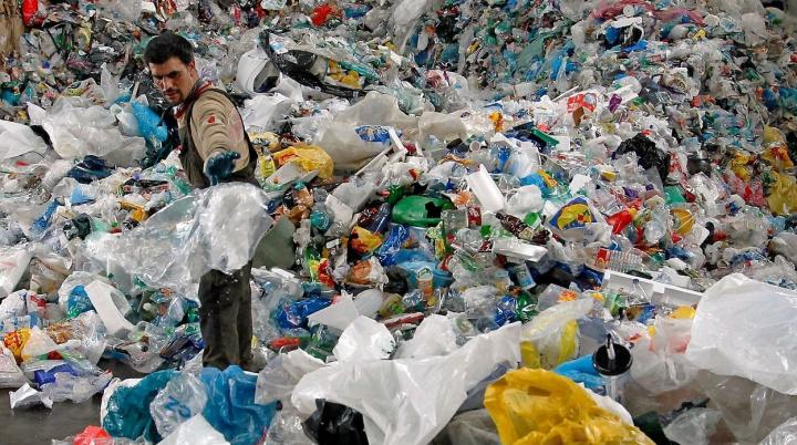 В Кении ввели штрафы и тюремные сроки за использование пластиковых пакетов